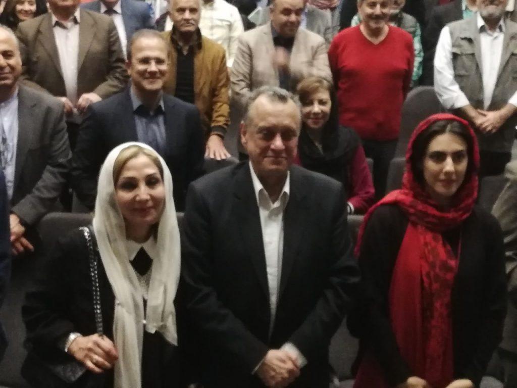 """علی عباسی و قصیده گلمکانی در مراسم رونمایی از کتاب """"روایت یک کابوس سی ساله"""""""